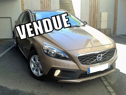 volvo v40 cross country t4 180ch momentum s s gps 1 re main r vis e autos coaching. Black Bedroom Furniture Sets. Home Design Ideas
