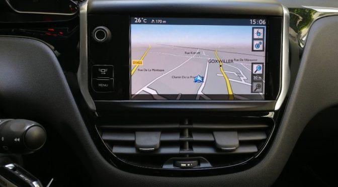 PEUGEOT 208 1.4 VTI 95Ch ALLURE // GPS // SEMI CUIR // CARNET PEUGEOT