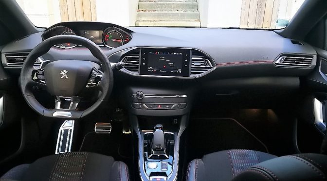 NOUVELLE PEUGEOT 308 1.2 Puretech 130Ch EAT8 GT LINE // 1ère MAIN // 2 350-€ d'options!